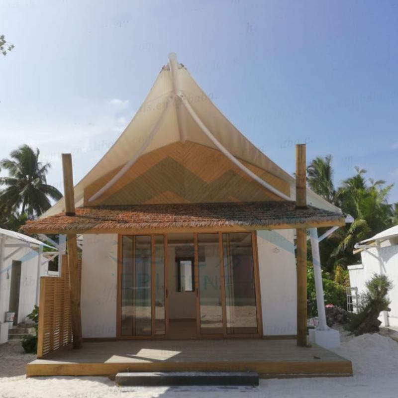 Maldiivide mere ääres asuvad hotelli majutustelgid